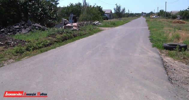 В селе Кошары Лиманского района отремонтировали часть дорог.